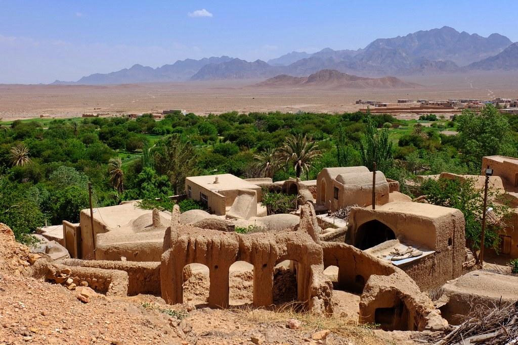 Von diesem Bergdorf aus kann man schon den Anfang der Wüste sehen