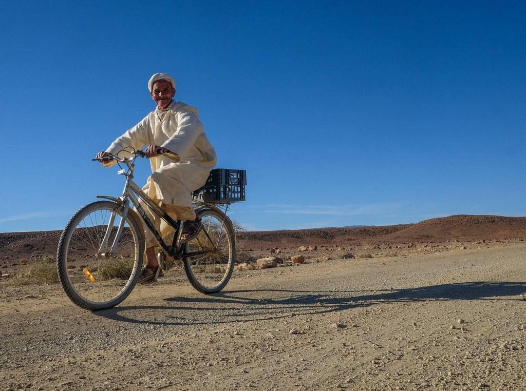 In den Ebenen treffen Sie auch schon einmal  auf Radfahrer.