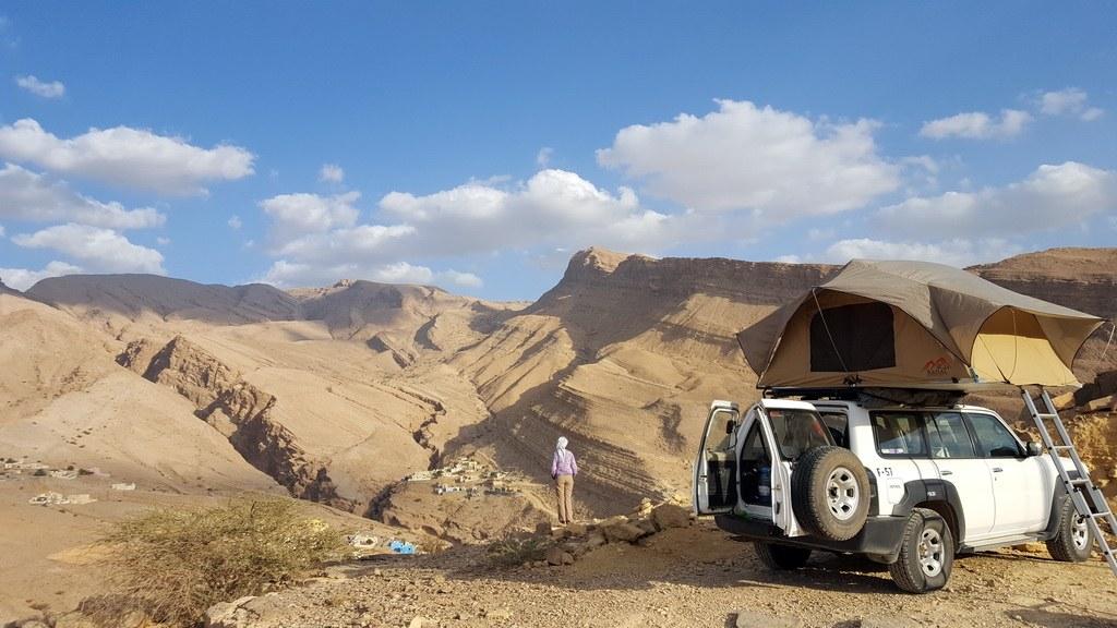 Das Hajjar Gebirge bietet endlose Möglichkeiten die Nacht im Dachzelt an einem wunderschönen Ort zu verbringen.