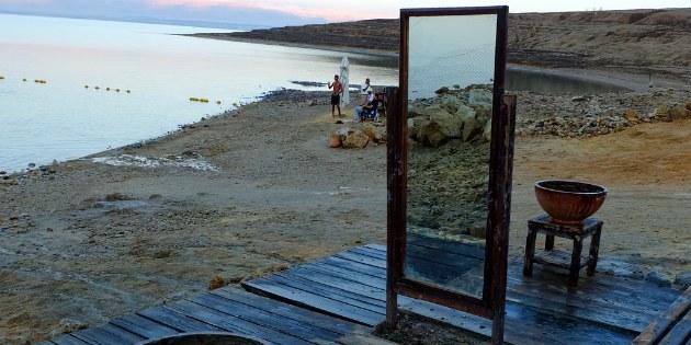 Die Mineralien aus dem Toten Meer gelten als wohltuend für die Haut