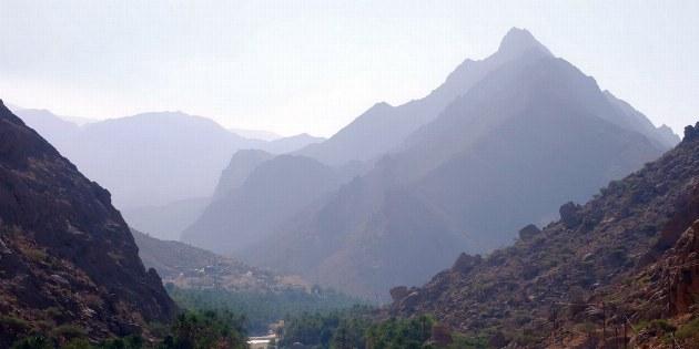 Bei der Fahrt zum Wadi kann man nicht erkennen, welch schöner Ort einen gleich empfangen wird.