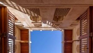 Architektur und Geschichte dieses Schlosses sind einzigartig in Oman.