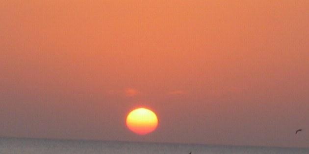 Nicht nur in der Wüste, sondern auch am Meer erwarten Sie atemberaubende Sonnenuntergänge.