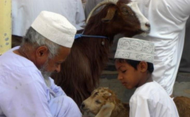 Familienzusammenhalt und das Weitergeben von Wissen und Werten ist in Oman noch sehr wichtig.