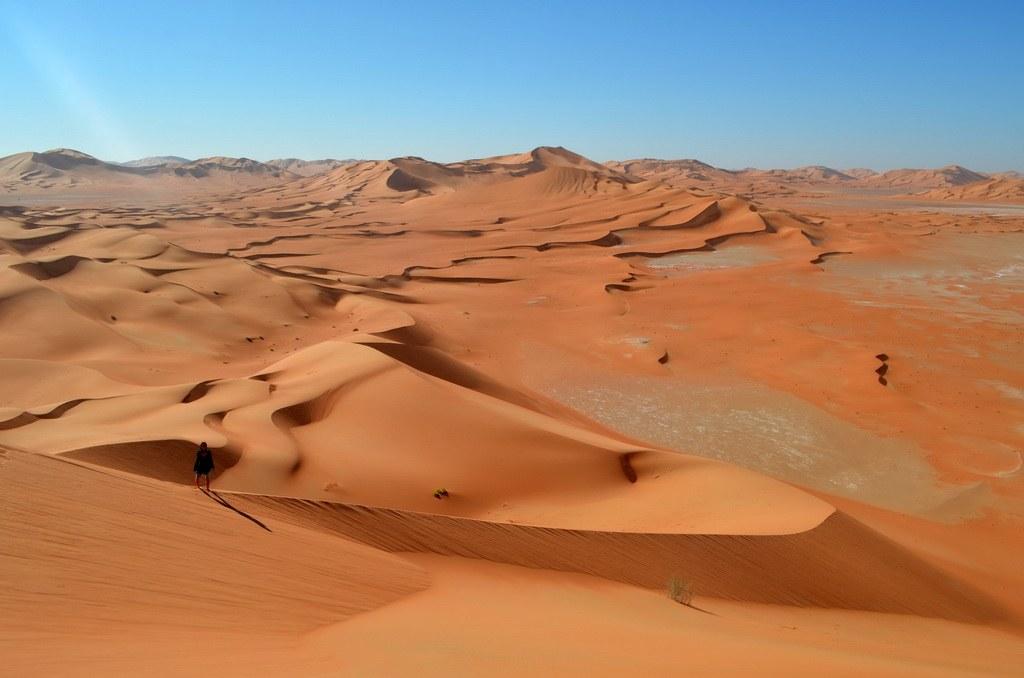 Die urlaten Dünen der Rub al-Khali beeindrucken immer wieder die Besucher.
