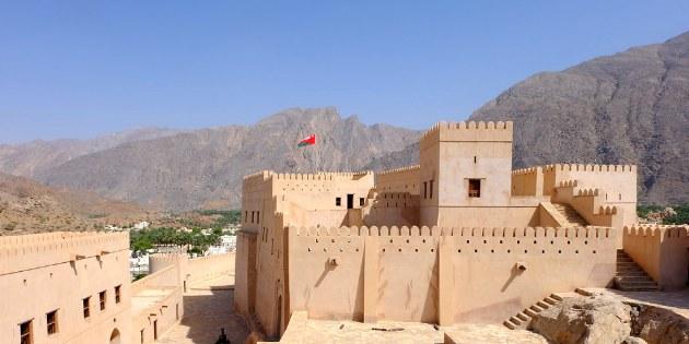 Im Oman können Sei viele prächtige Forts besuchen