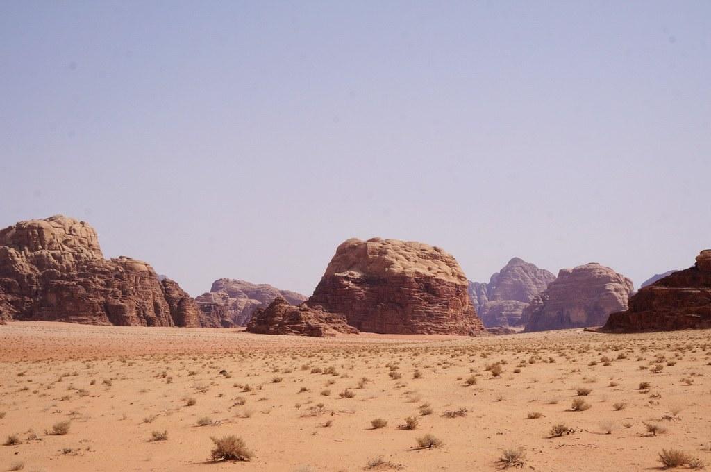 Blick auf die Felsenwüste. Jordanien ist berühmt für die Wadi Rum.